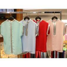 Блузка с блестящими вставками