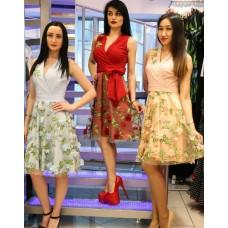 Платье с цветочной юбкой