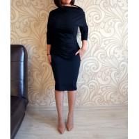 Черное платье с молнией на рукаве